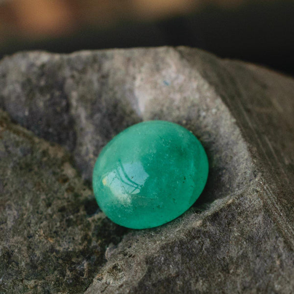 1.85 Carats Oval Natural Emerald Loose Gemstone | 8.25 x 7.36x 3.97mm - Modern Gem Jewelry