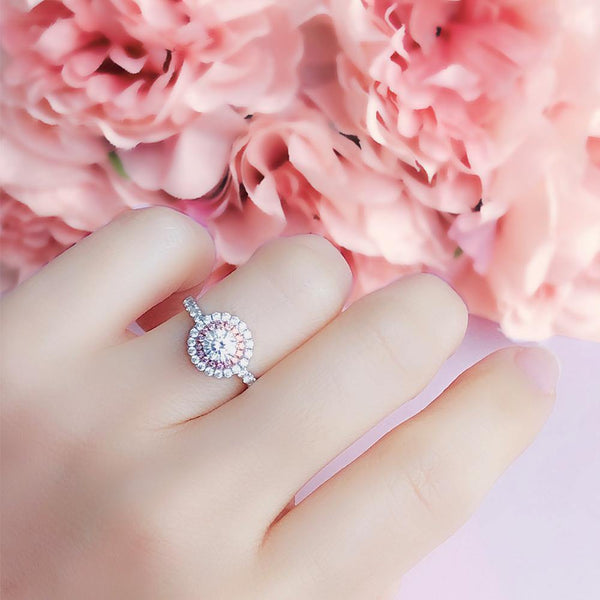 0.5 carats Colorless Diamond & Pink Diamonds Halo 18K White Gold