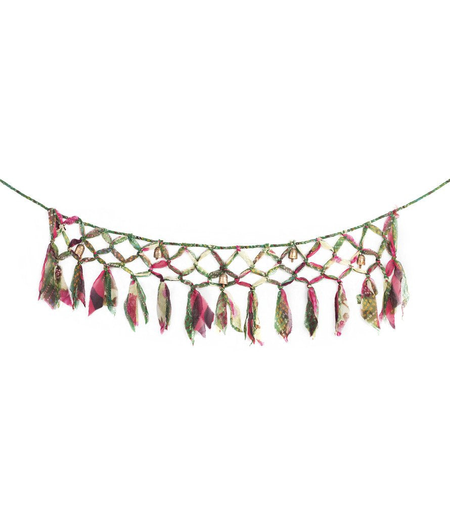 Sari & Song Macrame Garland