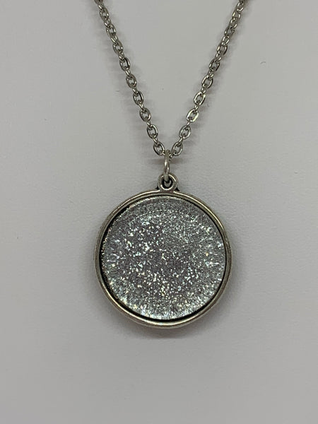 Glitter Pendant Necklace