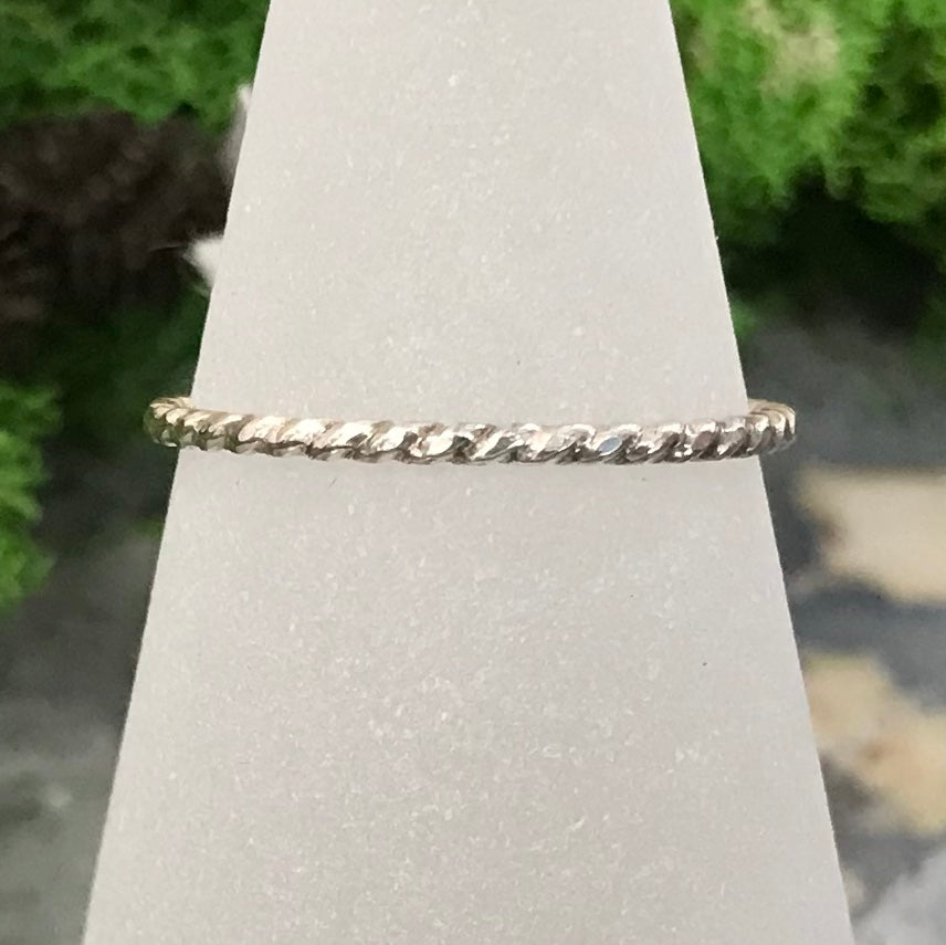HHS-11 Sterling Silver Pattern Ring Size 9