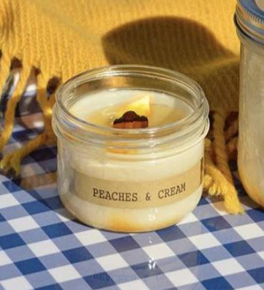 KGC-45 Peaches And Cream Soy Candle