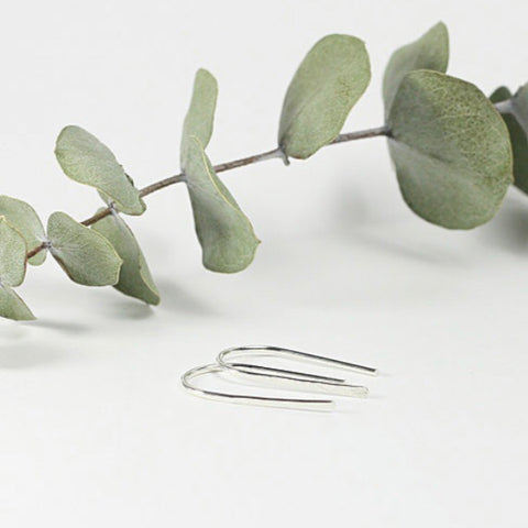 TMD-24 Sterling Silver Mini Hammered Ribbon Earrings