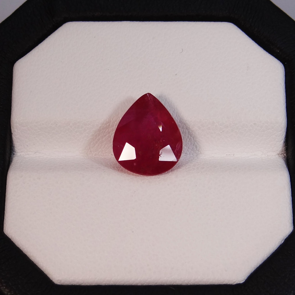 Natural Ruby - 4.852 Ct.