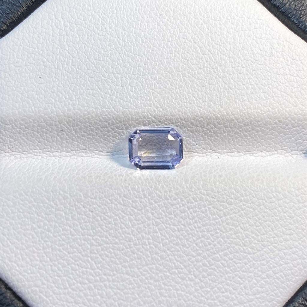 Natural Sapphire - 0.90 Ct.