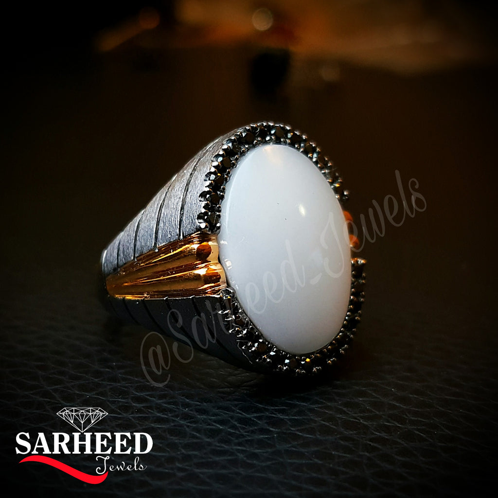 White Aqeeq Ring with black zircons
