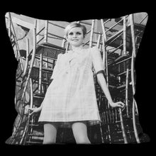 Load image into Gallery viewer, Twiggy Photo Art Cushion