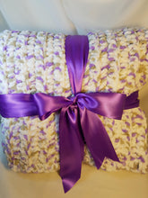Load image into Gallery viewer, Soft & Chunky Throw - Lavender & White Blend