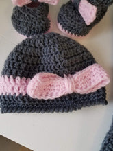 Load image into Gallery viewer, Handmade Baby Hats