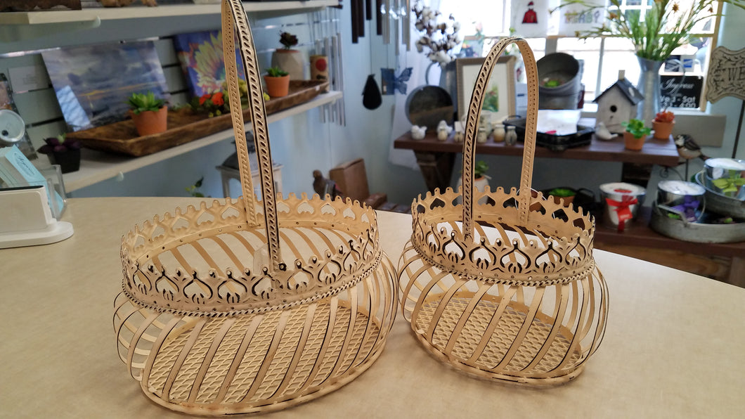 Decorative Wire Plant Holder