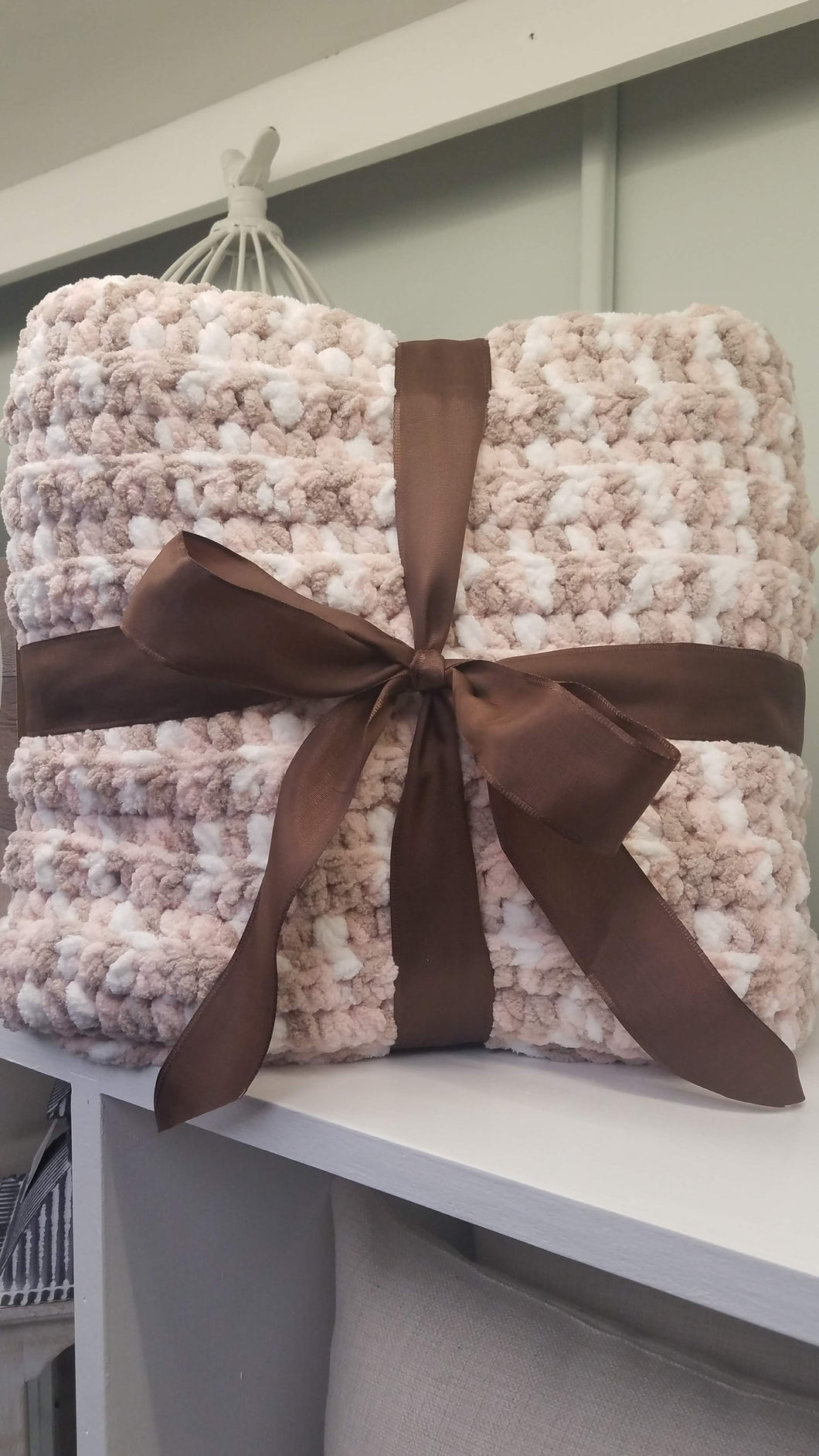 Soft & Chunky Throw - Soft Pink, Brown and White Blend