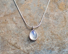 Load image into Gallery viewer, Moonstone Necklace // Moonstone Pendant Necklace // 925 Sterling Silver Necklace // Necklace Moonstone // Pendant Moonstone