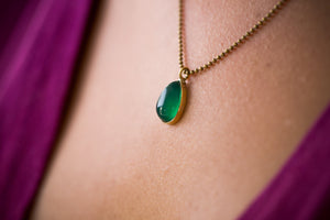 Green Aventurine Necklace, Gold and Green Necklace, Green Teardrop Necklace, Gold Teardrop Pendant Necklace, Green Gemstone Pendant Necklace