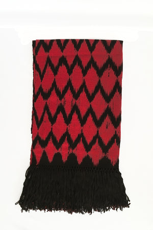 red-black-scarf-ikat-macana-diamond-makikuna