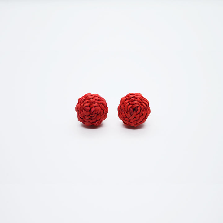 STRAW DOT EARRING