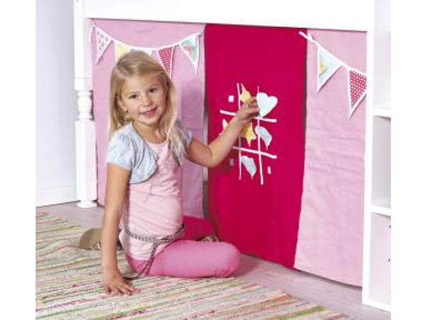 Manis-h Play Curtain - Flags and Tic-Tac-Toe