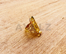 Elegance Personalized 18k Gold Cartouche Ring