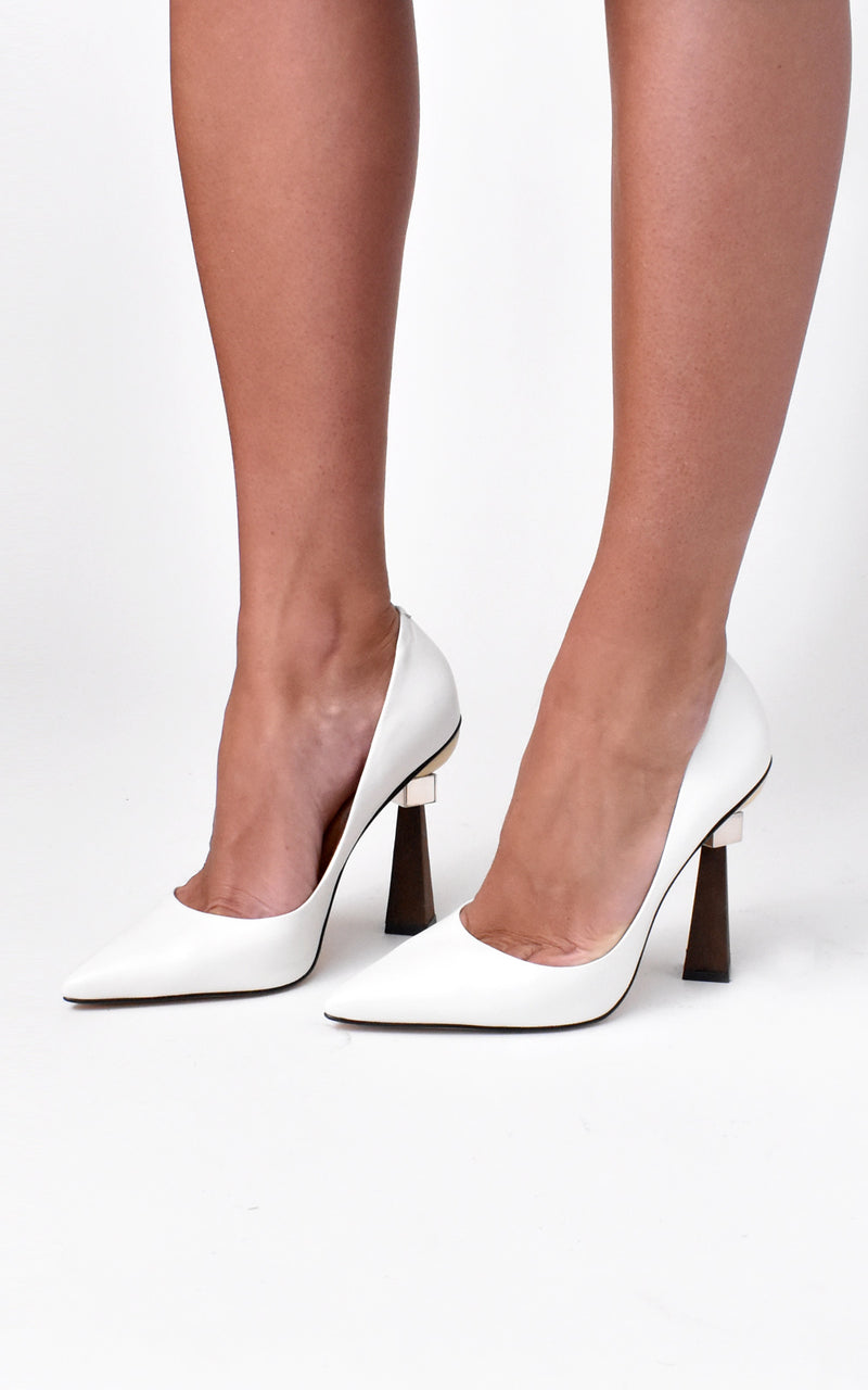 Geometrical Sculpted Wood Heel Leather Pumps