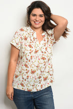 Load image into Gallery viewer, Ivory Floral Plus Size Top
