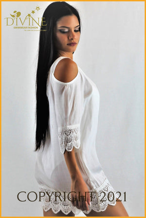 Princes Tunic Medium / White Cover Ups