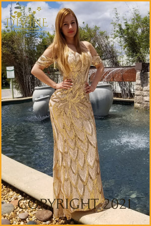 Cinderella Dress Large / Gold Trending
