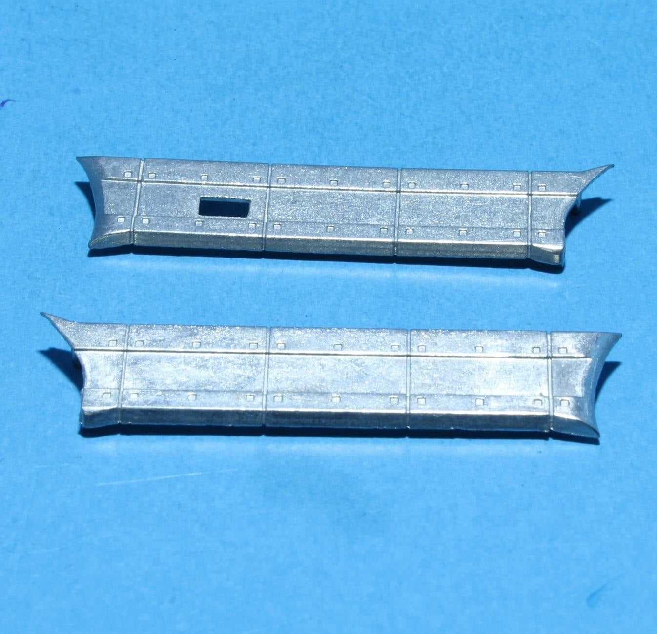 77224 | Scania 3 series 4x2 Side Skirts