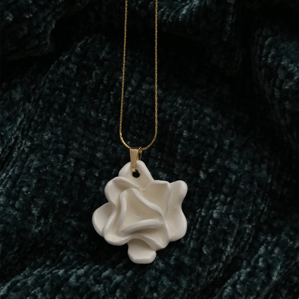 Aguastudio Flower Necklace White