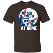 BASEBALL MOM DAD, MY SON IS A CATCHER T SHIRT