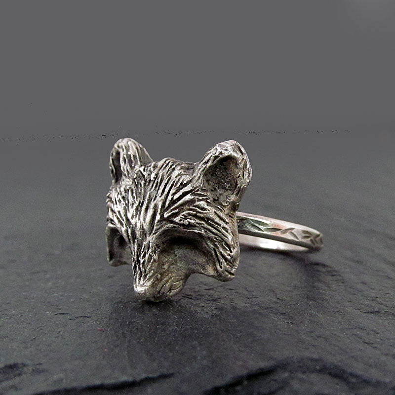 Raccoon ring