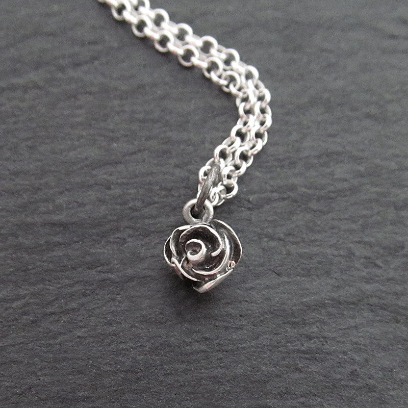 cute rose necklace