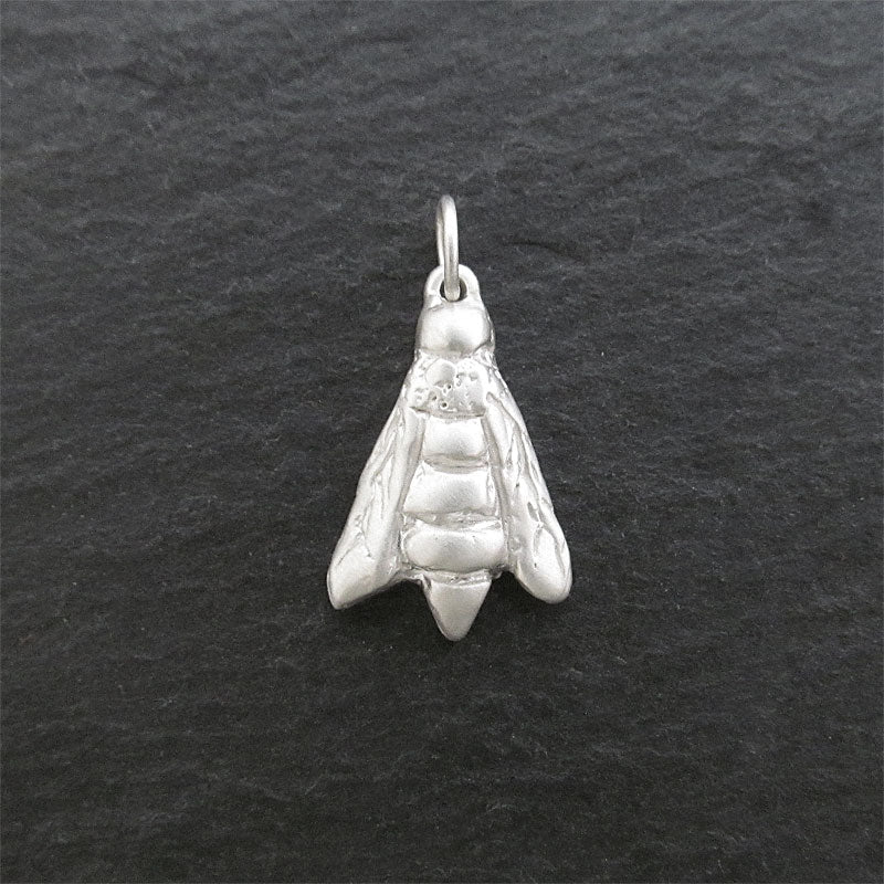 Silver bee pendant with matte finish