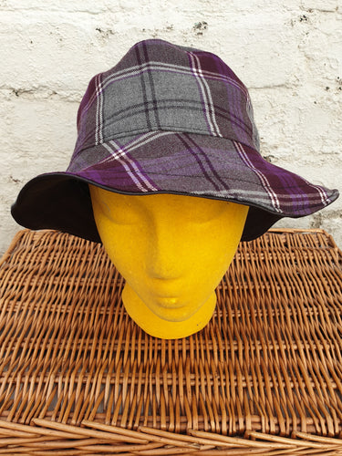 Black silk and tartan reversible unisex bucket hat