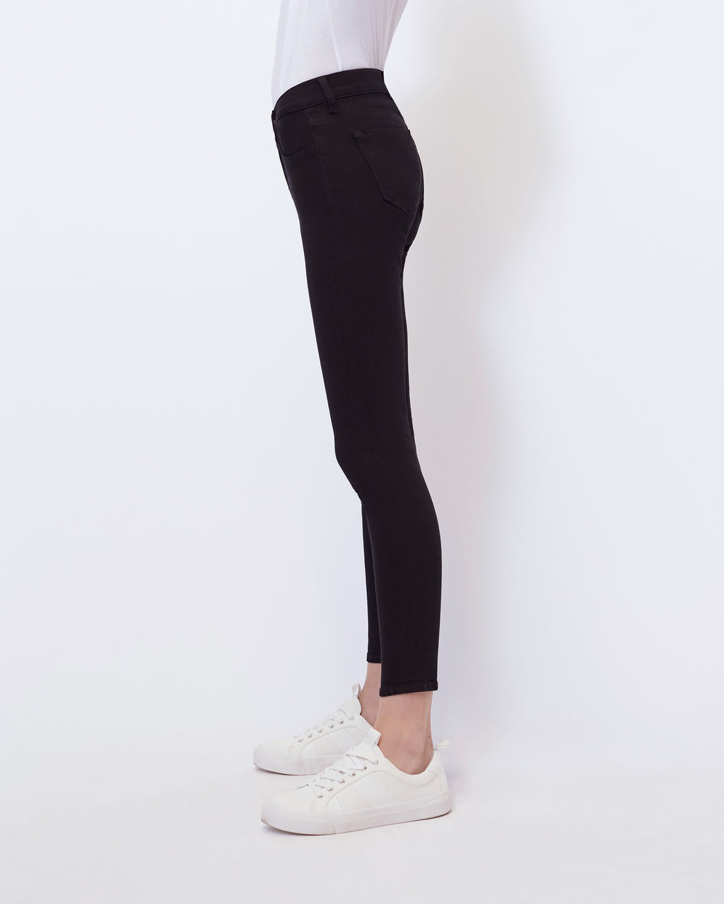 The Ankle Skinny Jean in Carbon Black