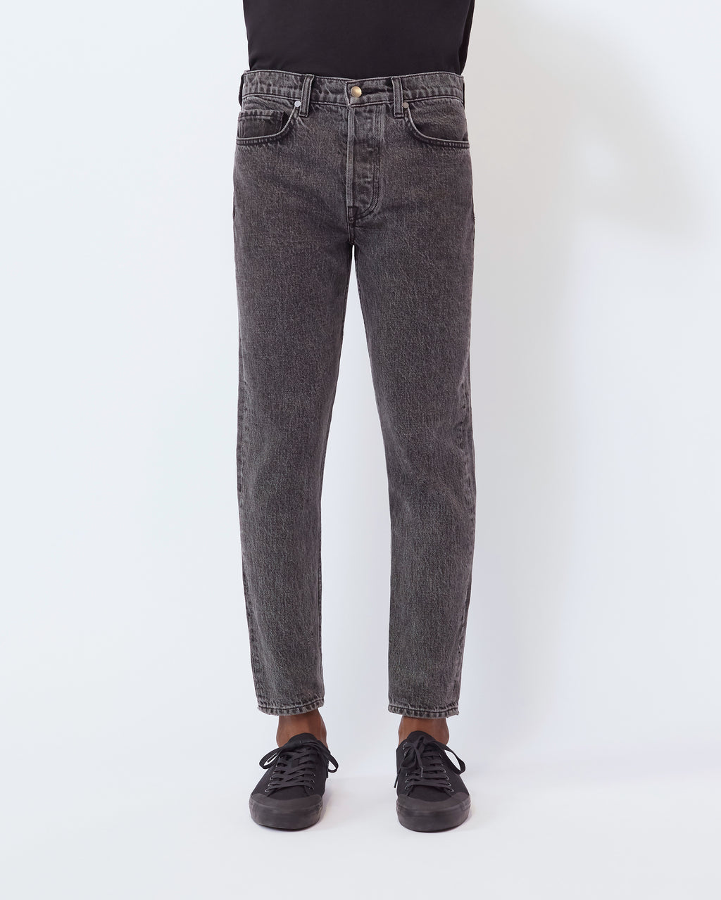 The Modern Taper Jean in Vintage Black