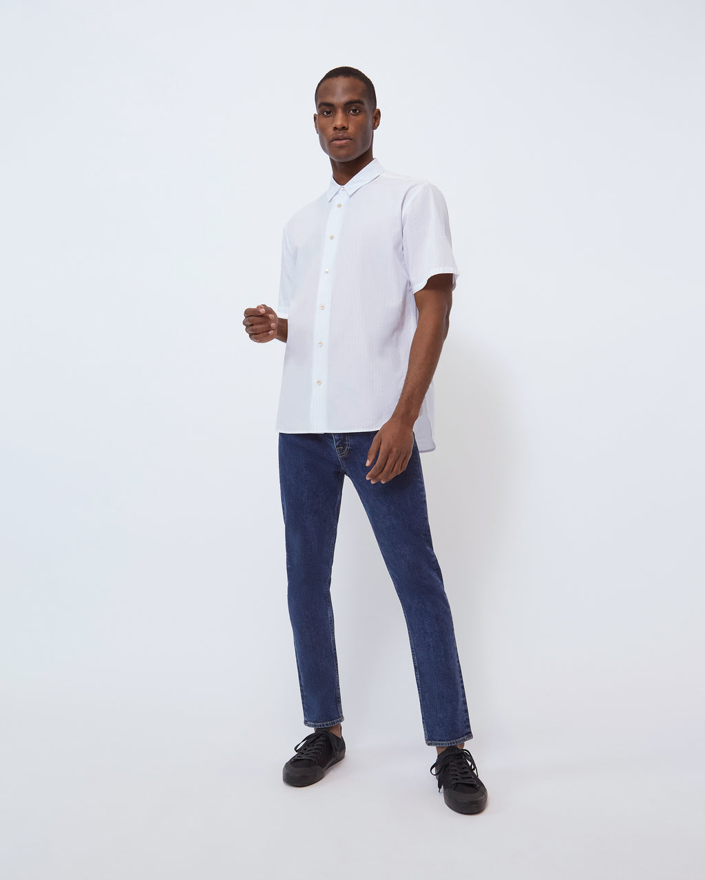 The Larrabee Shirt in Blue Vertical Stripe