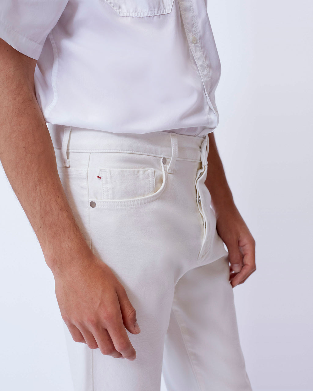 The Modern Taper in White Stretch Selvedge