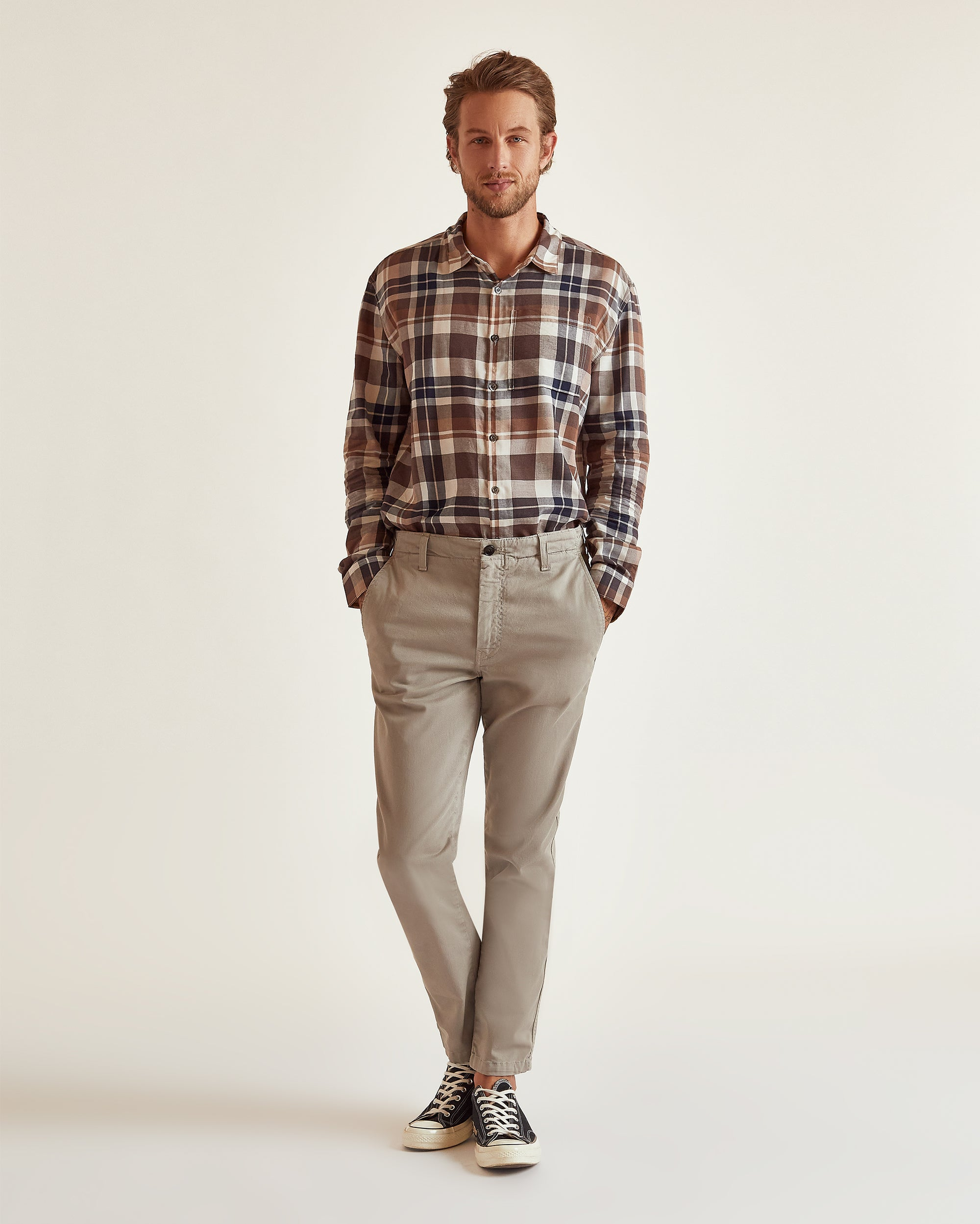 The Modern Slim Trouser in Dove