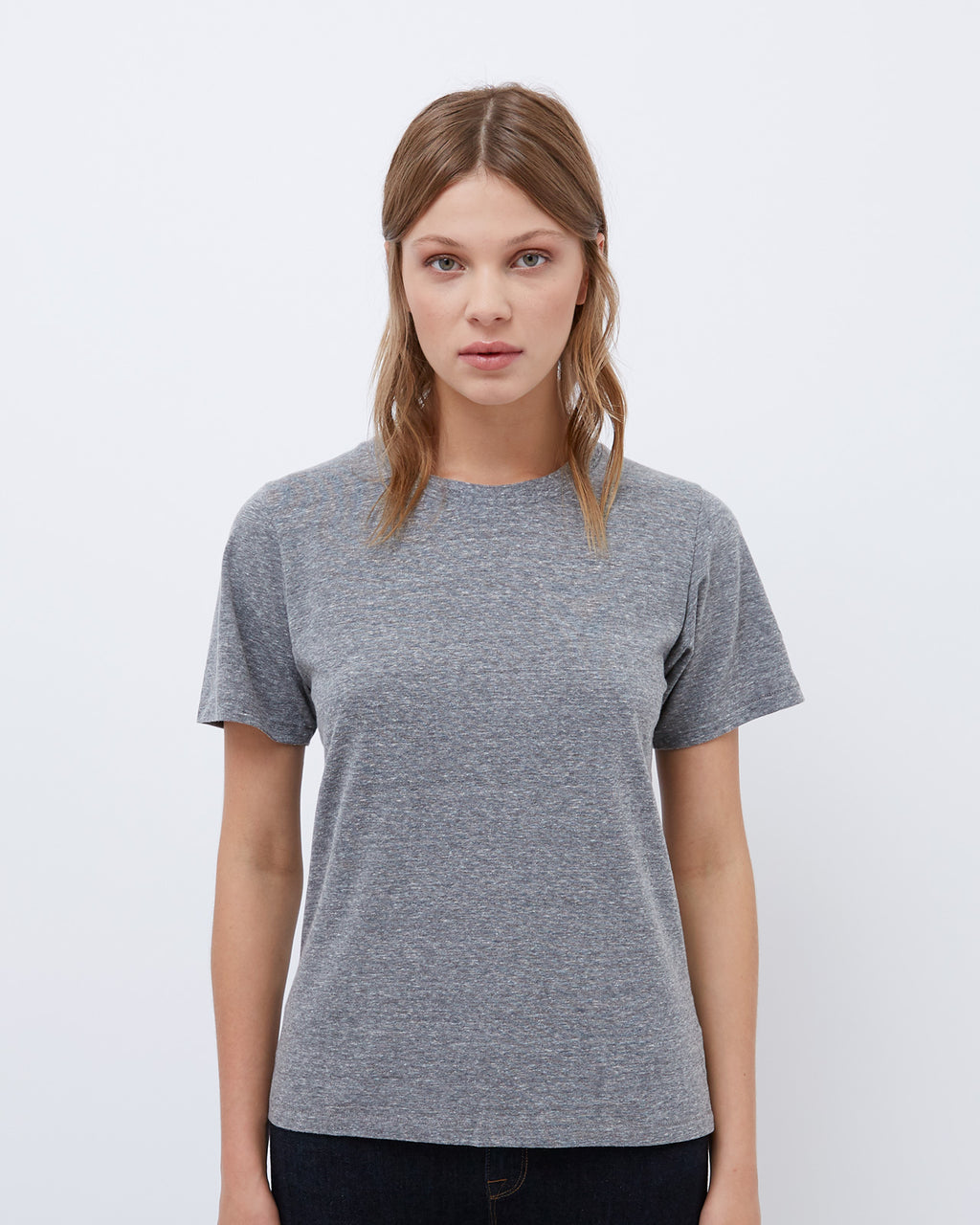 The Short Sleeve Crew Neck Tee in Heather Grey