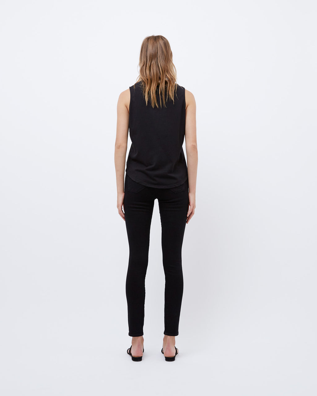 The Curved Hem Tank in Black