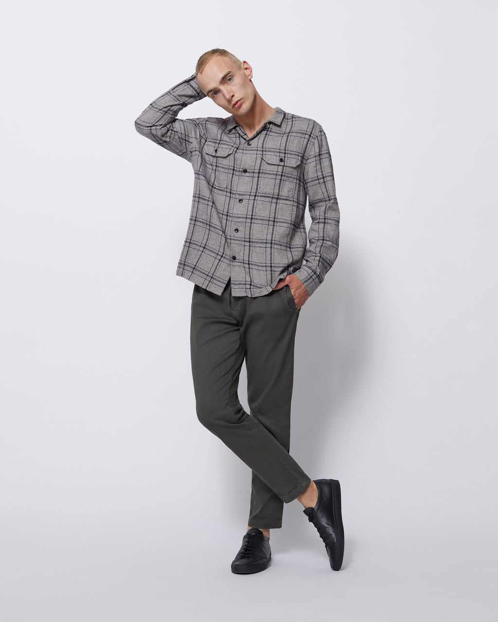 The Guetes Shirt in Grey Plaid