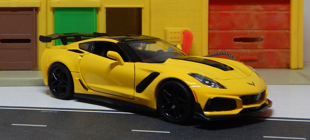 2019 Corvette ZR1 Hardtop 1/24 Scale