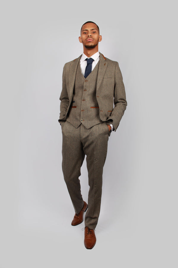 Andre Tan Brown | Fratelli Uniti | Mens Tweed Suit