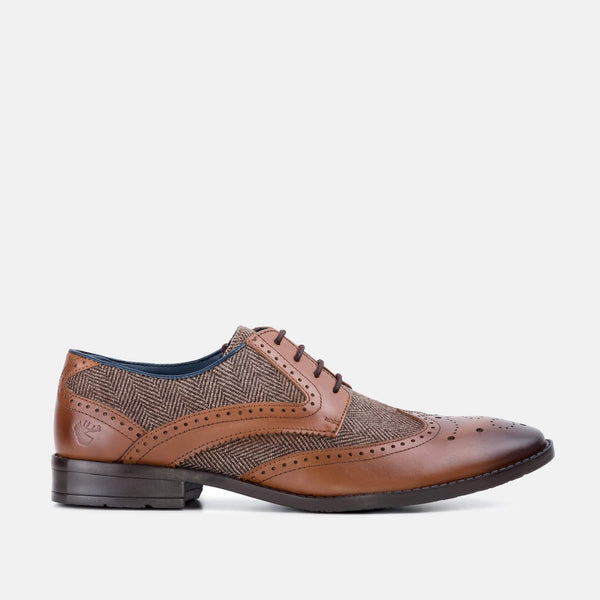 TAN HERRINGBONE DERBY SHOE - Mens Tweed Suits