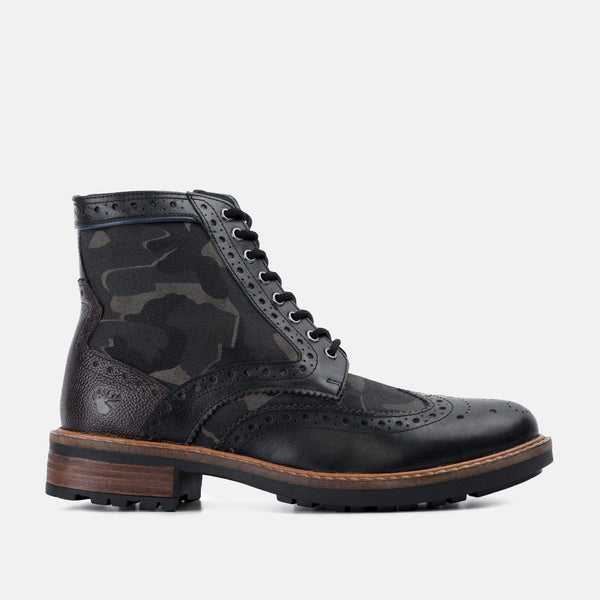 CAMO BLACK LEATHER BROGUE BOOT - Mens Tweed Suits