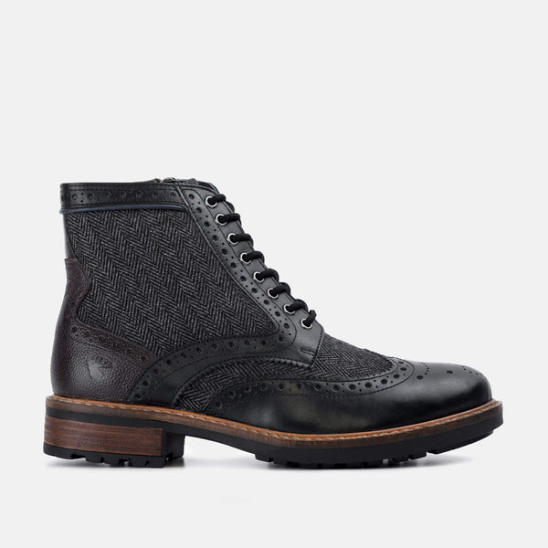 HERRINGBONE BLACK LEATHER BROGUE BOOT - Mens Tweed Suits