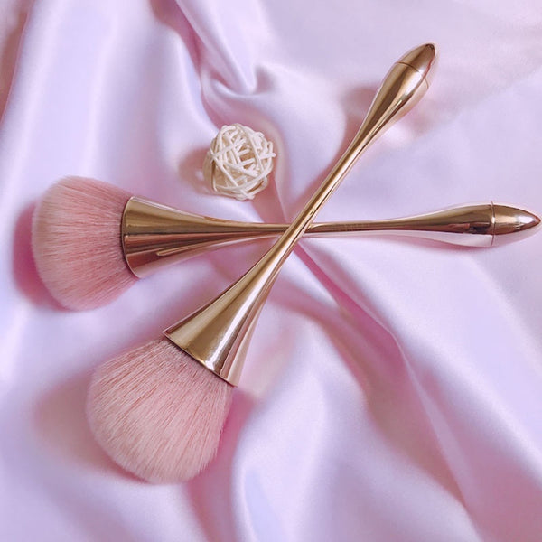 Rose Gold Luxury Contour Brush
