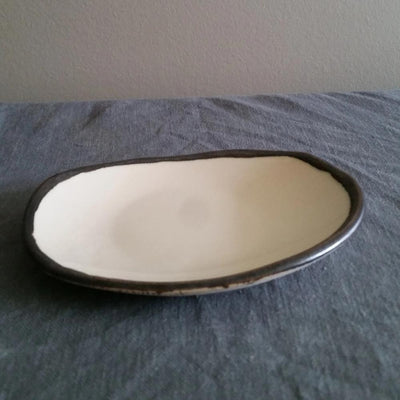 Small Oval dish - White and Metal