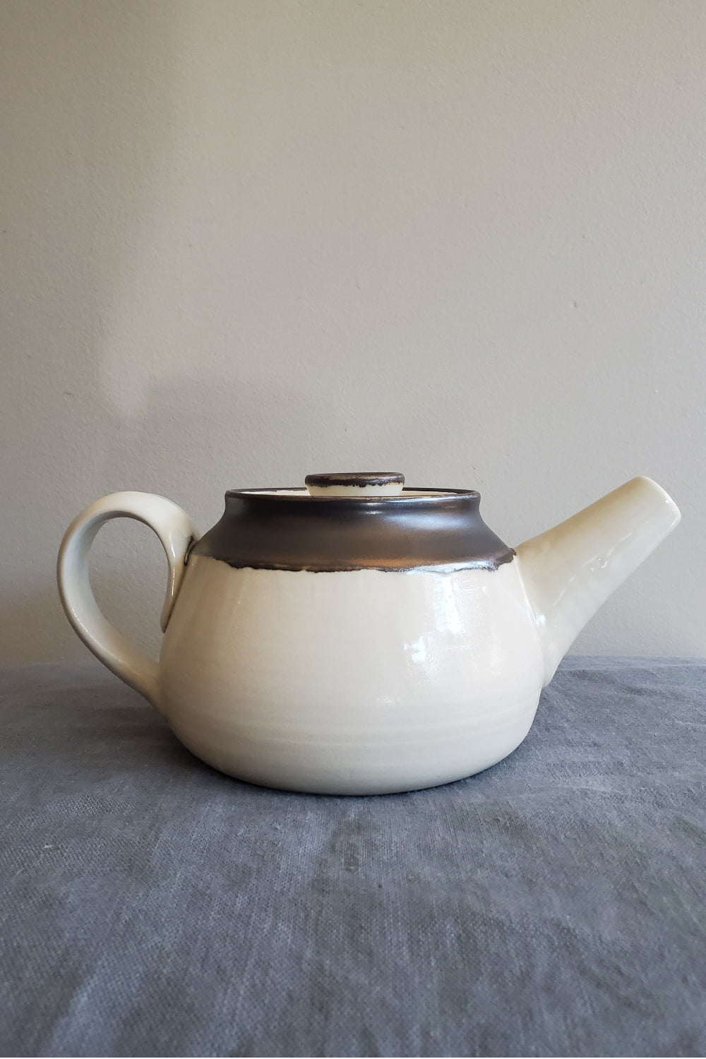 Teapot - White & Metal