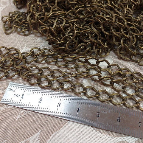 Chain 27, Antique Gold (1m)