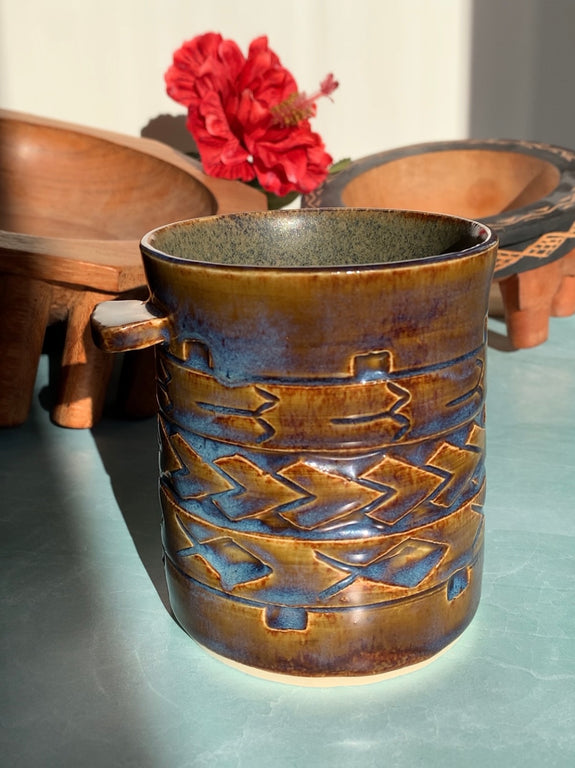 Hand Carved Ceramic Tatau Mug - 10 oz / 296 ml - I'a Sā Glaze